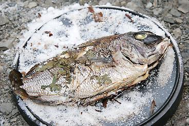 鯛の塩釜焼き完成