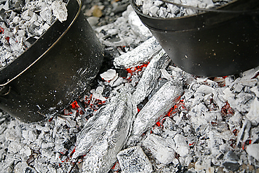 炭火で焼く